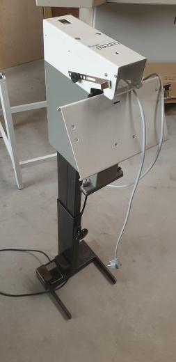 Rinak Block- und Broschürenheftung, 1 Heftkopf, max. 40 Blatt, Heft- und Ringklammern, Elektrobetrieb,