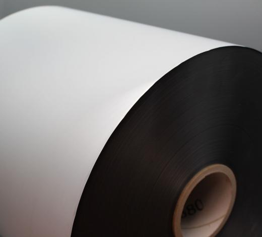 Soft Touch, silber, 35mic, wiederbedruckbar, für Sleeking geeignet, 320 x 800lfm, 3Zoll Kern, 77mm